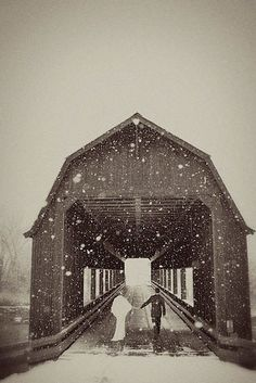 This bride who got cozy: | 38 Couples Who Absolutely Nailed Their Winter Wedding