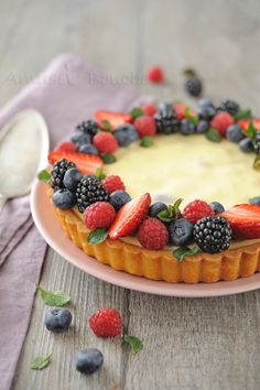 Cheesecake with red fruits - Tarte Cheesecake & Fruits Rouges. Tart Recipes, Cheesecake Recipes, Sweet Recipes, Dessert Recipes, Cooking Recipes, Sweet Pie, Sweet Tarts, Just Desserts, Delicious Desserts