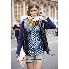 LENA PERMINOVA OPTICAL #emmetrend #lenaperminova #style #optical #necklace #print #fashionblogger