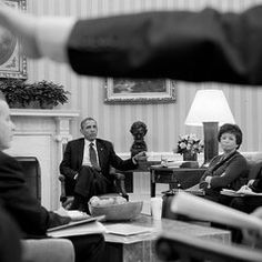 """""""@Pete Souza New behind-the-scenes photos of President Obama from March:"""" : twitter / flickr (click thru for flickr link)"""