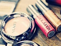 7 Good Reasons to Sell Mary Kay …    There are tons of reasons to sell Mary Kay and to get into business for yourself. I gotta say ladies, even though I don't sell Mary Kay, …