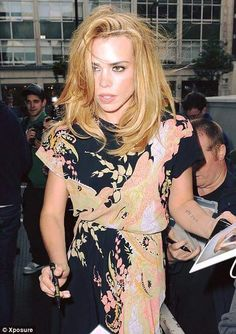 Billie Piper, Short Sleeve Dresses, Dresses With Sleeves, Floral Tops, Sexy, Women, Fashion, Moda, Sleeve Dresses