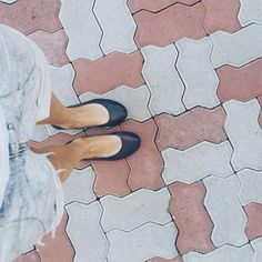 The moment when on the 5th hour of walking you understand, how comfortable were these shoes! ❤