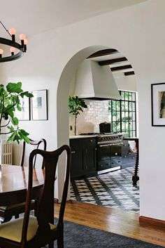 Interior designer Jessica Helgerson of Portland, Oregon, turned an industrial space into a Spanish kitchen to cook, create, relax and converse. Decor, House Design, Black Kitchens, Interior, Mediterranean Kitchen, Home, New Homes, House Interior, Interior Design