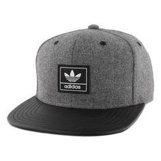 Men's Adidas Trefoil Plus Snapback Baseball Cap (78.360 COP) ❤ liked on Polyvore featuring men's fashion, men's accessories, men's hats, dark grey, mens ball caps, mens baseball hats, mens hats and mens snapbacks