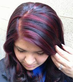 Red highlights Chunky Highlights, Red Highlights, Body Makeup, Hair Makeup, Hair Foils, Beauty Hacks, Beauty Ideas, Beauty Tips, Hair Care Tips