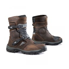 Forma Adventure Low Waterproof Motorcycle Boots - The Adventure Low is a shorter version of the hugely popular Forma Adventure boots. Riding Gear, Riding Boots, Combat Boots, Bike Boots, Low Boots, Tall Boots, Forma Adventure, Waterproof Motorcycle Boots, Adventure Boots