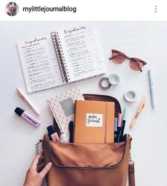 Planners and Journals Study Desk, Study Space, Book Study, Study Notes, Reading Motivation, School Motivation, Keep Calm And Study, Backpack Essentials, Study Organization