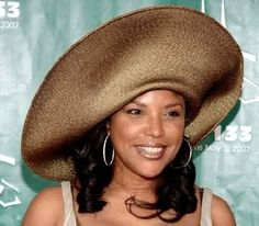 Sisters Step Out In Style Hat! Straw Blend
