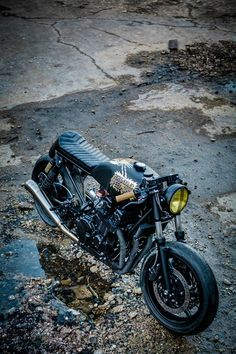 Honda CB750 by Maxwell Paternoster (AKA Corpses from Hell) & Robinson's Speed Shop. Photo by Aaron Jones.
