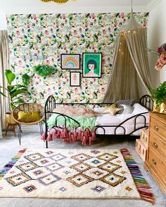 AD Just like a piece of art or some statement wallpaper, a rug can completely transform a room. Mesdames et Messieurs may I present to you… Girl Room, Girls Bedroom, Master Bedroom, Modern Bedroom Decor, Bedroom Ideas, Design Bedroom, Wood Interiors, Kids Room Design, Unique Home Decor