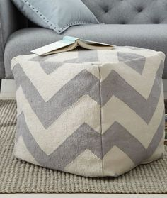 zigzag dhurrie mini pouf  http://rstyle.me/n/vsx9wpdpe