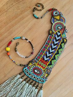 Asymmetrical Beadwork Necklace with Tassels Tribal por perlinibella
