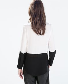 TWO-TONE LONG SLEEVE BLOUSE.
