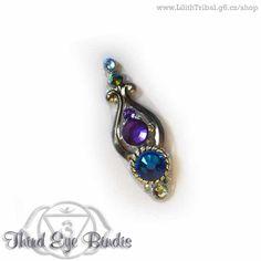 Custom made bindi coming together with a belly bindi (coming soon) ; Third Eye Piercing, Bindi, Gemstone Rings, Gemstones, Beautiful, Jewelry, Fashion, Moda, Jewlery