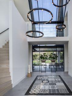Design interieur, stephen versteegh, the art of living Modern Hall, Modern Entryway, Modern Loft, Modern Interior Design, Interior Architecture, Loft Cafe, Flur Design, Design Design, Hallway Designs