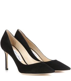 A classic silhouette in supple suede, Jimmy Choo's Romy 85 pumps prove to be an alluring all-rounder. They're shaped with a pointed toe, thin mid-height heel, and a leather insole ensuing utmost comfort. Take yours from day to dark seamlessly. Black Suede Pumps, Suede Shoes, Women's Shoes Sandals, Black Shoes, Sarah Jessica, Jessica Parker, Jimmy Choo Romy, Jimmy Choo Shoes, Christian Louboutin