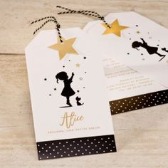 Silhouetkaart jongen black, white en touch of gold Touch Of Gold, Graphic Design Inspiration, Paper Design, Playing Cards, Gift Wrapping, Place Card Holders, Branding, Baby Shower, Invitations