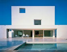 2. La pureza esencial - AD España, © D.R. - Alberto Campo Baeza #unifamiliar #agua #cemento