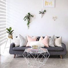 O que falar dessa sala perfeita? Foto via: Pinterest www.eutambemdecoro.com.br #architecture #arquitetura #decor #decoro #decora #decoracao #sala #inspiration #inspiração #inspiracao #ideia #dica