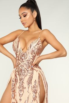 Shop formal dresses for women and find the perfect gown for your next evening out. Choose from of special occasion dresses and glamorous gowns for homecoming, prom, weddings and more. Satin Dresses, Sexy Dresses, Janet Guzman, Sequin Maxi, Fashion Nova Models, Hot Dress, Club Dresses, Sexy Outfits, Beautiful Outfits