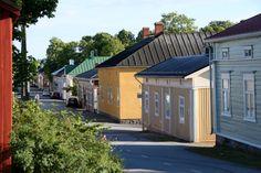 Kristiinankaupunki – yllättävän ihana löytö!   Matkasto Finland, Shed, Outdoor Structures, Outdoor Decor, Home Decor, Decoration Home, Room Decor, Home Interior Design, Barns