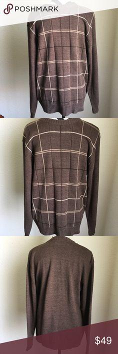"Men's Oscar De La Renta sweater Men's Oscar De La Renta sweater • Front plaid brown and beige colors the back is all brown • EUC • size L• Approximate measurements made flat and not stretched • chest 22"" • sleeves 24.5"" • length 27.5"" Oscar de la Renta Sweaters Crewneck"