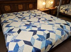 Blue and white patchwork quilt, queen bed custom made to order by morethanjustquilts on Etsy