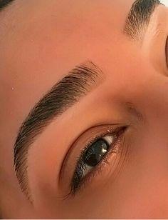 eyebrows growing out ; eyebrows fill in ; eyebrows shaping for beginners Elf Makeup, Eyebrow Makeup, Beauty Makeup, Eyeliner, Hair Makeup, Makeup Eyebrows, Makeup Tips, Glowy Makeup, Eyebrow Tips