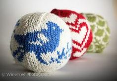 knitted christmas decoration - cool!