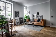 Here are the Scandinavian Interior Decorating Ideas For Small Spaces. This post about Scandinavian Interior Decorating Ideas For Small Spaces … Small Apartment Design, Apartment Interior, Small Apartments, Apartment Living, Room Interior, Small Spaces, Scandinavian Apartment, Scandinavian Interior Design, Scandinavian Home