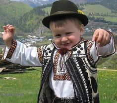 Ukrainian close for kids Precious Children, Beautiful Children, Kids Around The World, Ukrainian Art, Baby Kind, Folk Costume, My Heritage, Cute Kids, Little Boys
