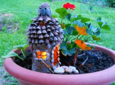 Making a Fairy House from Natural Materials and Plastic Bottle