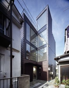 Image 1 of 32 from gallery of Alley / APOLLO Architects & Associates. Photograph by Masao Nishikawa