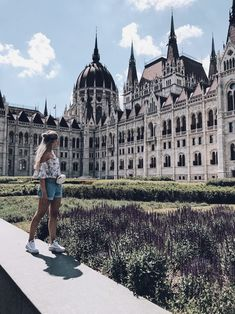 Parlament in Budapest, Hungary Places To Travel, Places To Go, Budapest Travel Guide, Budapest City, Hungary Travel, Voyage Europe, Travel Alone, Travel Advice, Solo Travel