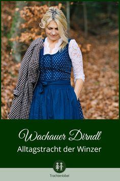 Das Wachauer Dirndl ist eine Alltagstracht aus Österreich, die aus einem klassischen Blaudruck hergestellt wird. Sowohl Stoff als auch Schnitt sind einzigartig! #trachtenkunde #alltagstracht #dirndltipp German Fashion, Every Woman, Looking For Women, Looks Great, Womens Fashion, How To Wear, Vintage, Germany, Traditional