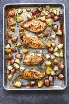 Baked Buttery Herb Chicken and Potatoes requires just a few ingredients and is packed with amazing flavor and ready in just 30 minutes!  Hey hey it's Tiffany from Creme de la Crumb here to share one of my favorite go-to meals for busy weeknights! Fall is probably the busiest time of year for me and 30 minute …
