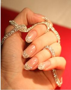Ice Diamond Manicure $51,000 Nails Nail art Boy you wouldn't want to chip a nail! www.finditforweddings.com