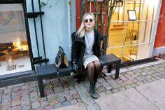 Sweatshirt + golden skirt Elegant Names, Leather Pants, Product Launch, Skirt, Sweatshirts, Stuff To Buy, Inspiration, Fashion, Leather Jogger Pants