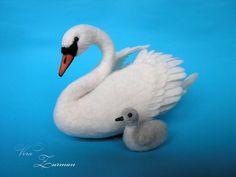 Needle Felted Animal .  Needle Felted Birds. White Swan and Baby.  Felt Animal. Felted Swans. Nature Decor. Wool Sculpture.
