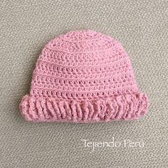 El gorro del conjunto tiene una sola hilera de bobos que las hicimos en la técnica de wiggle crochet!  English subtitles: crochet diaper cover and beanie for babies!