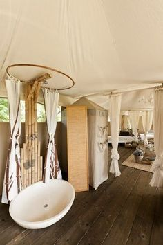 Amazing Luxury Bathroom - Glamping - I Canonici di San Marco Glamping, Tent Camping, Camping Tips, Backpacking Meals, Ultralight Backpacking, Hiking Tips, Hiking Gear, Luxury Yurt, Yurt Living