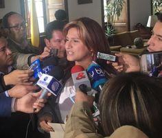 Paola Holguín, única Senadora en firmar la carta para USA, solicitó a Santos dejar mentir, atropellar y perseguir a la oposición