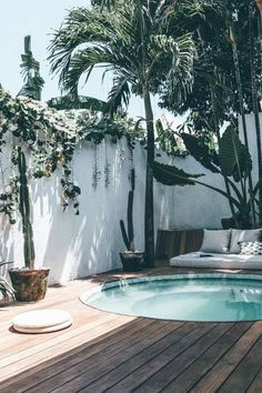 NEW cute & comfortable house with jacuzzy! - Houses for Rent in Kuta Utara Piscine et Jacuzzi Small Backyard Pools, Swimming Pools Backyard, Swimming Pool Designs, Small Pools, Lap Pools, Indoor Pools, Modern Backyard, Pool Decks, Pool Landscaping