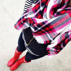 Need this Express scarf baaaaad. Only Fashion, Teen Fashion, Fashion Outfits, Fall Winter Outfits, Autumn Winter Fashion, Winter Style, Mom Outfits, Cute Outfits, Preppy Style