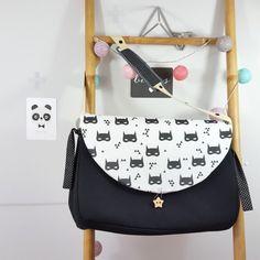 sac à langer lilaxel noir et batmans - www.lepetitmondedelilaxel.com