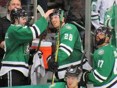 2016-03-17 Stars v Lightning // John's first goal congrats from Russell // photo by PNLT_BX