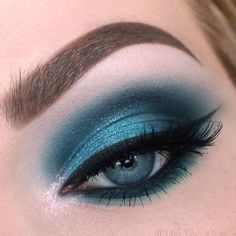 Different shades of eyeshadow for blue eyes have a different purpose. While choosing your next look, you should be careful enough not to go over the edge! #makeup #makeuplover #makeupjunkie