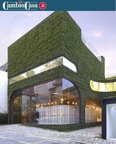 È la casa ideale per chi ha il pollice verde.  Progettato e costruito da due architetti sudcoreani, questo edificio è completamente ricoperto di Pachysandra terminalis, una pianta sempreverde in grado di ricoprire tutto… con enorme facilità.