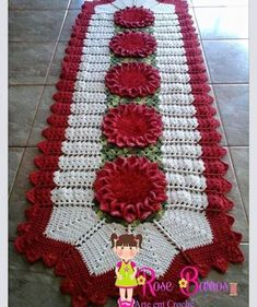 Doilies And Spreads Granny Square Häkelanleitung, Granny Square Crochet Pattern, Crochet Table Runner, Crochet Tablecloth, Crochet Kitchen, Crochet Home, Crochet Baby, Crochet Dollies, Crochet Flowers